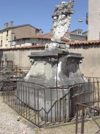 piedouche statue louis XV.jpg