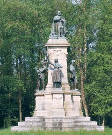 monument-du-comte-de-chambord-sainte-anne-dauray.jpg
